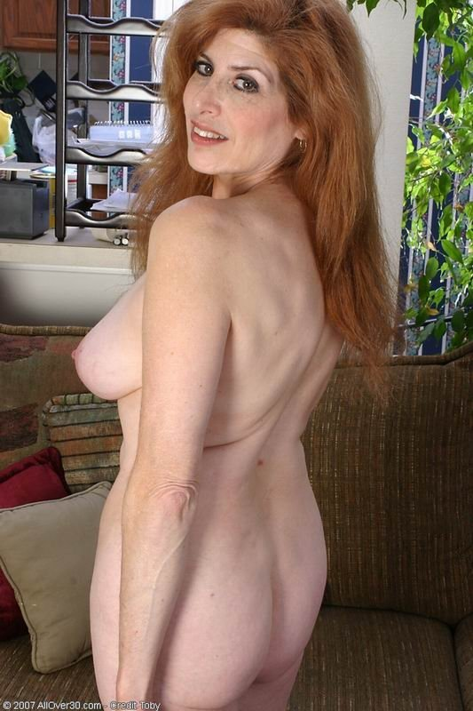 Fuck girlfriend with strap on